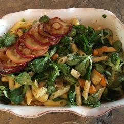 pastasalade met herfstgroenten